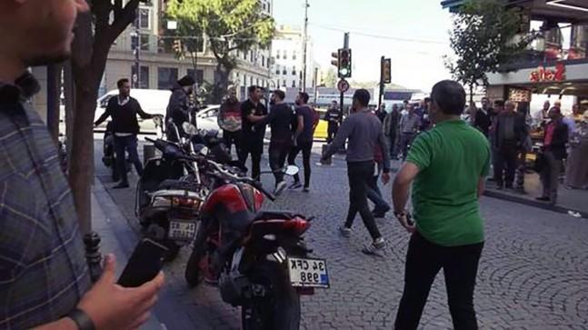 Köpekli Polisler Sirkeci'de Kavgayı Ayırdı!