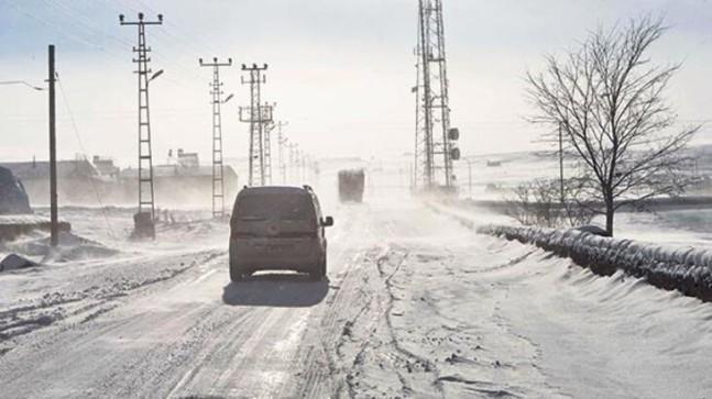 Yurdun Doğusunda Kar Hayatı Felç Etti!