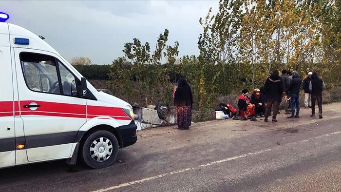 Adana'da Tarım İşçileri Şarampole Yuvarlandı!