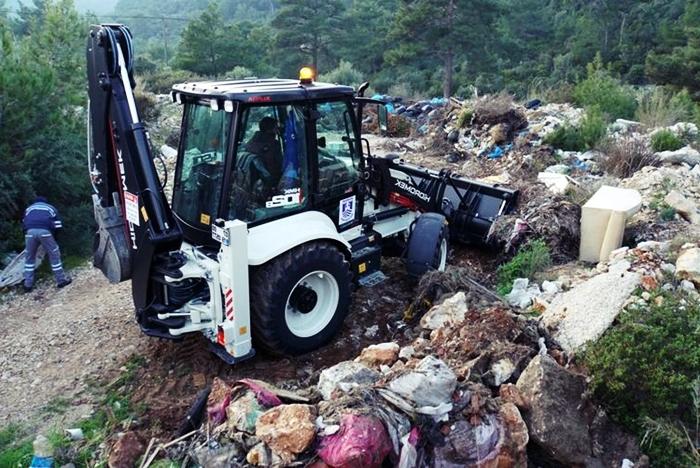 Ormanlık Alandan Tonlarca Çöp Çıktı!